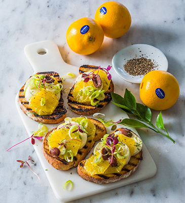 orange mozzarella and fennel bruschettas